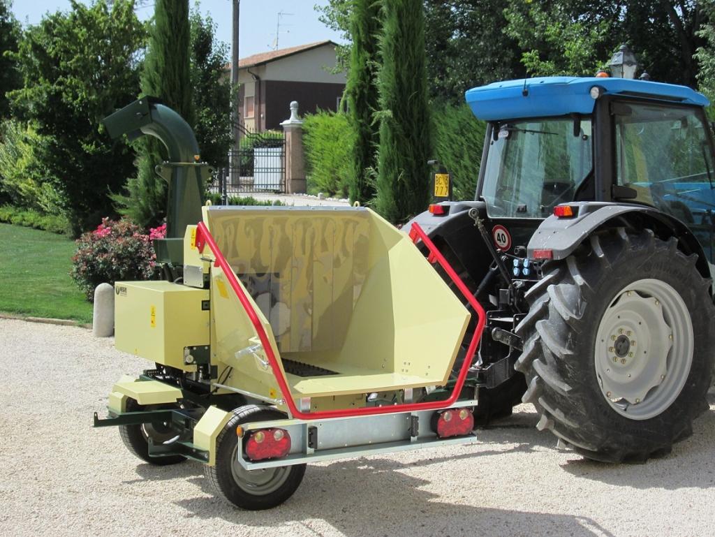 Negri bio R280TN (PTO, zemědělský podvozek)